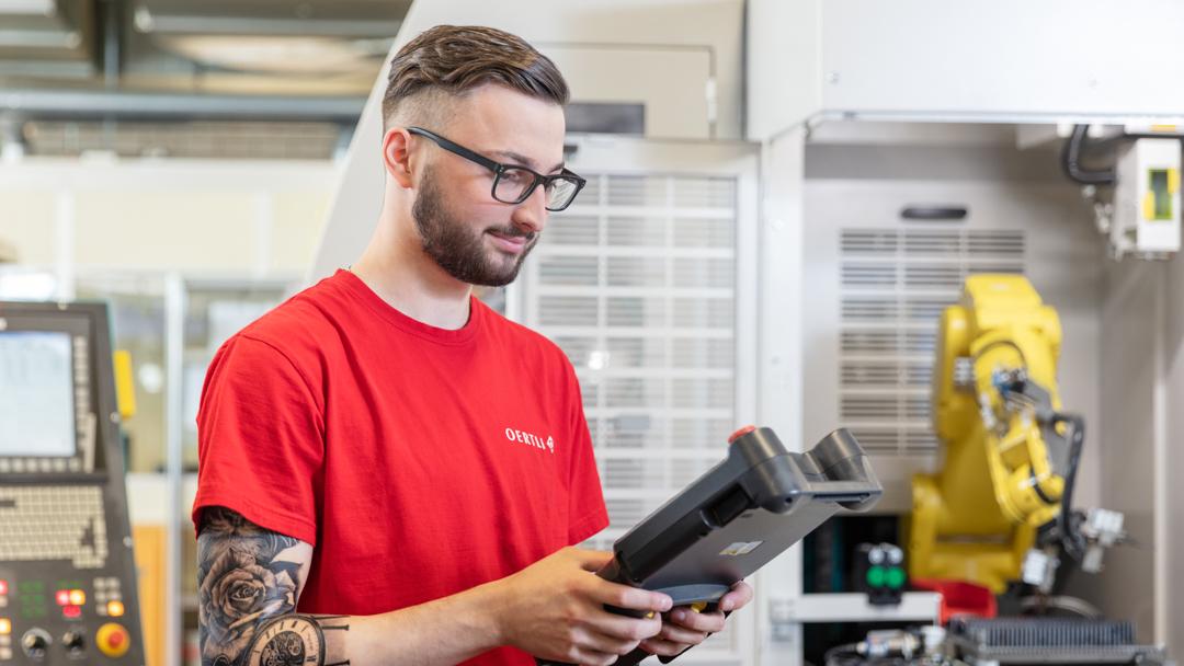 Firma OERTLI Werkzeuge AG Mitarbeiter in der Produktion